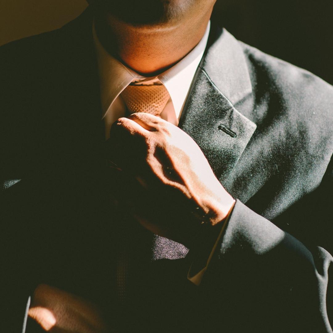 executive-dress-body language